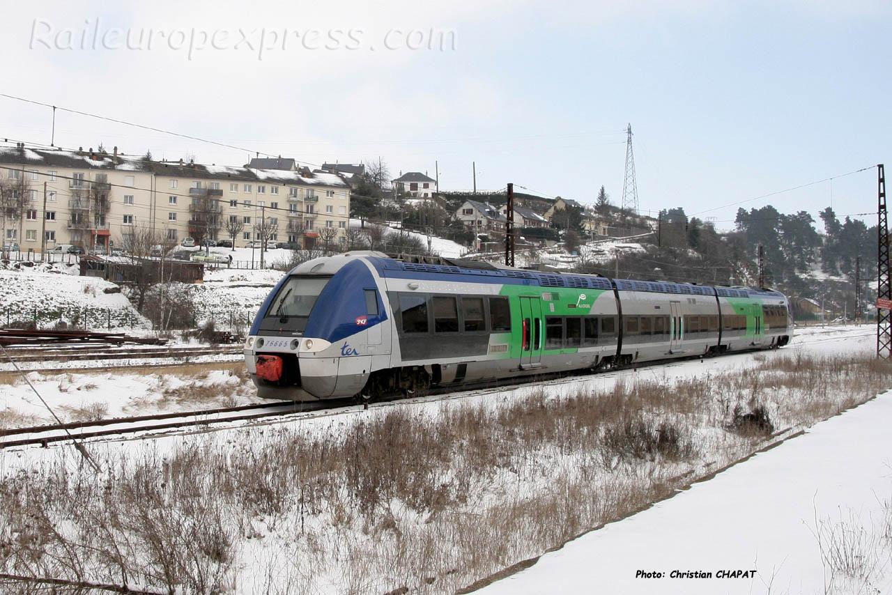 X 76665 SNCF à Saint Flour (F-15)