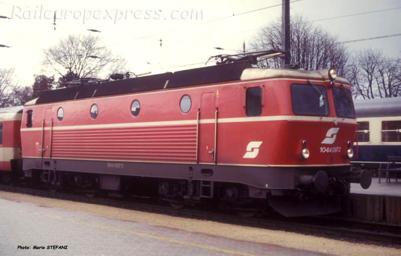 1044 097-2 OBB à Bregenz (A)