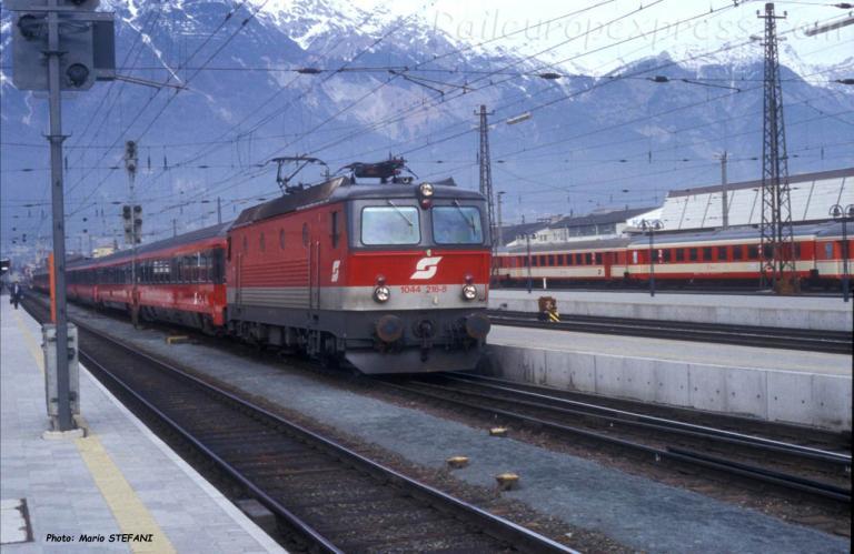 1044 216-8 OBB à Innsbruck (A)