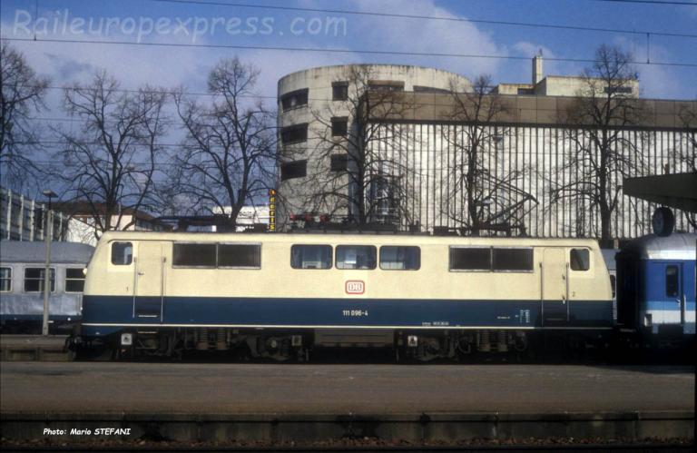 111 096-4 DB à Singen (D)