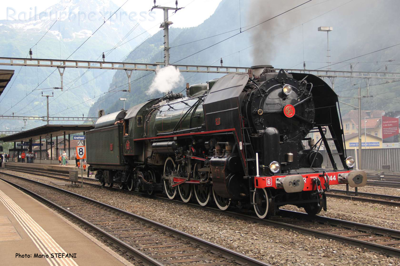 141 R 1244 à Erstfeld (CH)