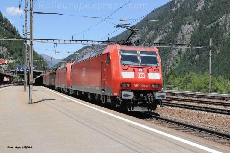185 090-8 DB à Göschenen (CH)