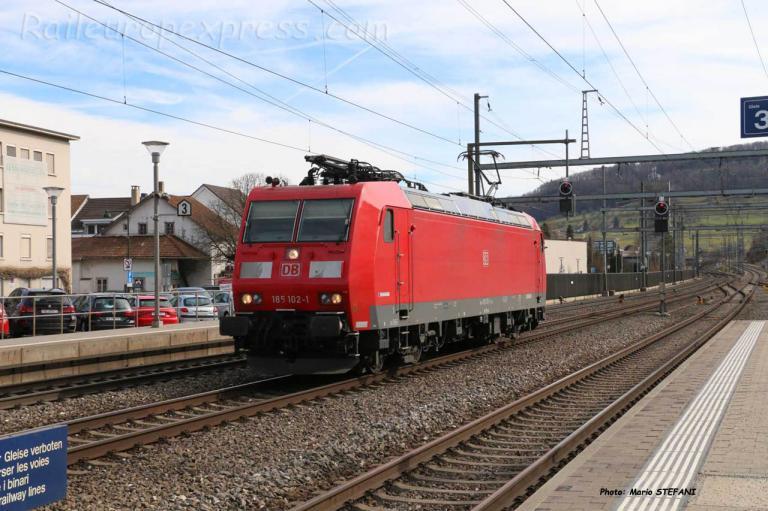 185 102-1 DB à Sissach (CH)