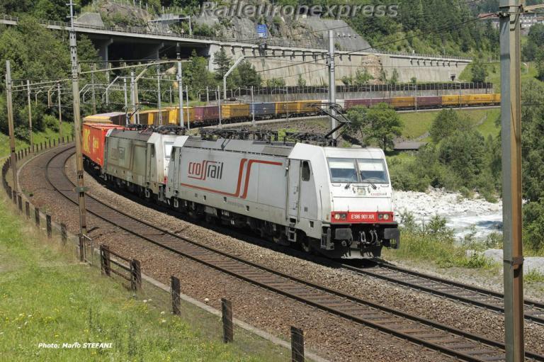 186 901 Crossrail à Wassen (CH)