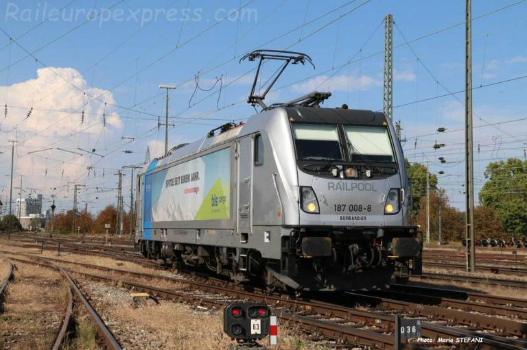 187 008 8 BLS à Basel Bad (CH)