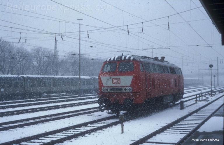 215 002-2 DB à Ulm (D)