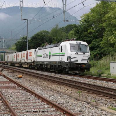 476 452 Railcare à Boudry (CH)