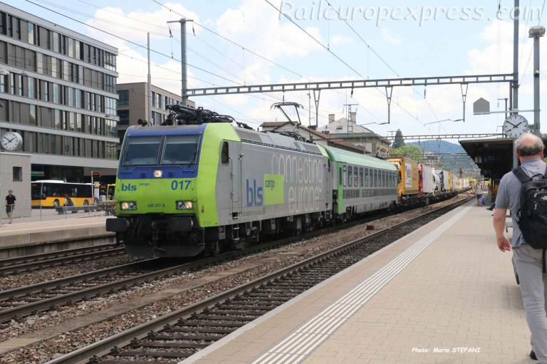 485 017-8 BLS à Liestal (CH)