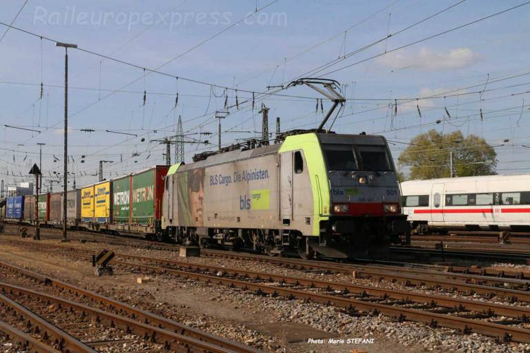 486 501-0 BLS à Basel (CH)