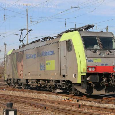 486 501 BLS à Basel bad (CH)