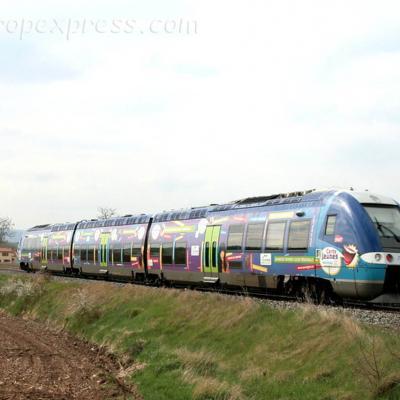 AGC SNCF au Breuil sur Couze (F-43)