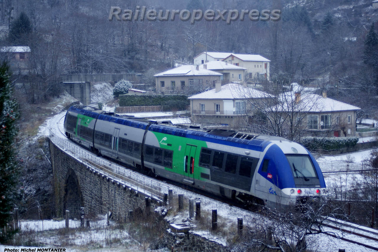 AGC Auvergne sur pont de Palhères (48)