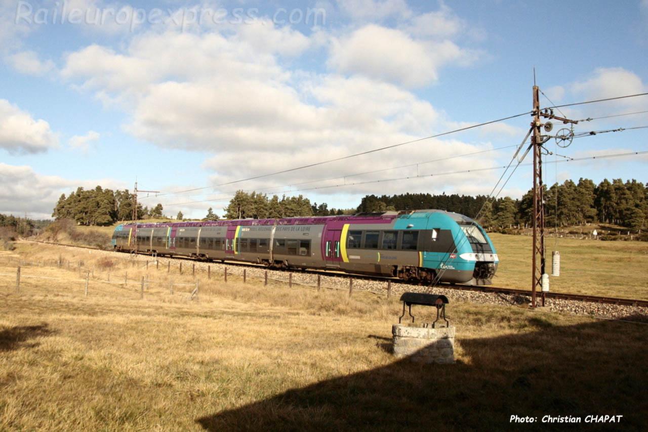 AGC SNCF près d'Aumont-Aubrac (F-48)