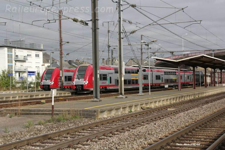 Automotrices série 2200 CFL à Bettembourg (L)