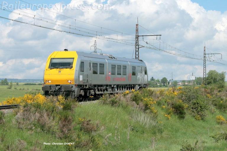 Autorail de surveillance des voies V6 SNCF à Talizat (F-15)