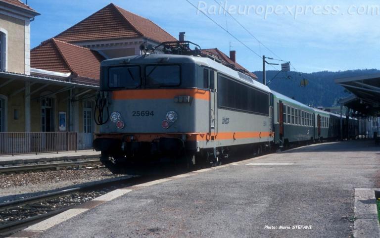 BB 25694 SNCF à Pontarlier (F-25)