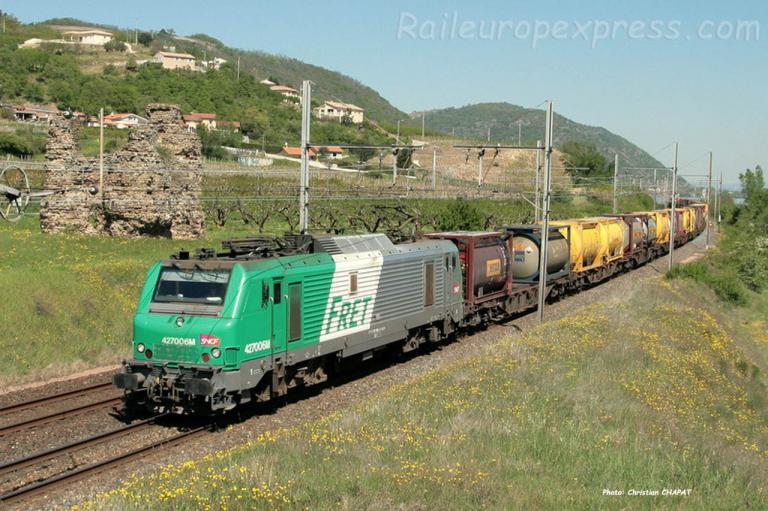 BB 27006 SNCF à Saint Bosc (F-07)