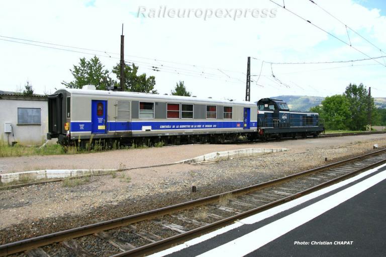 BB 66000 et voiture Mauzin à Neussargues (F 15)