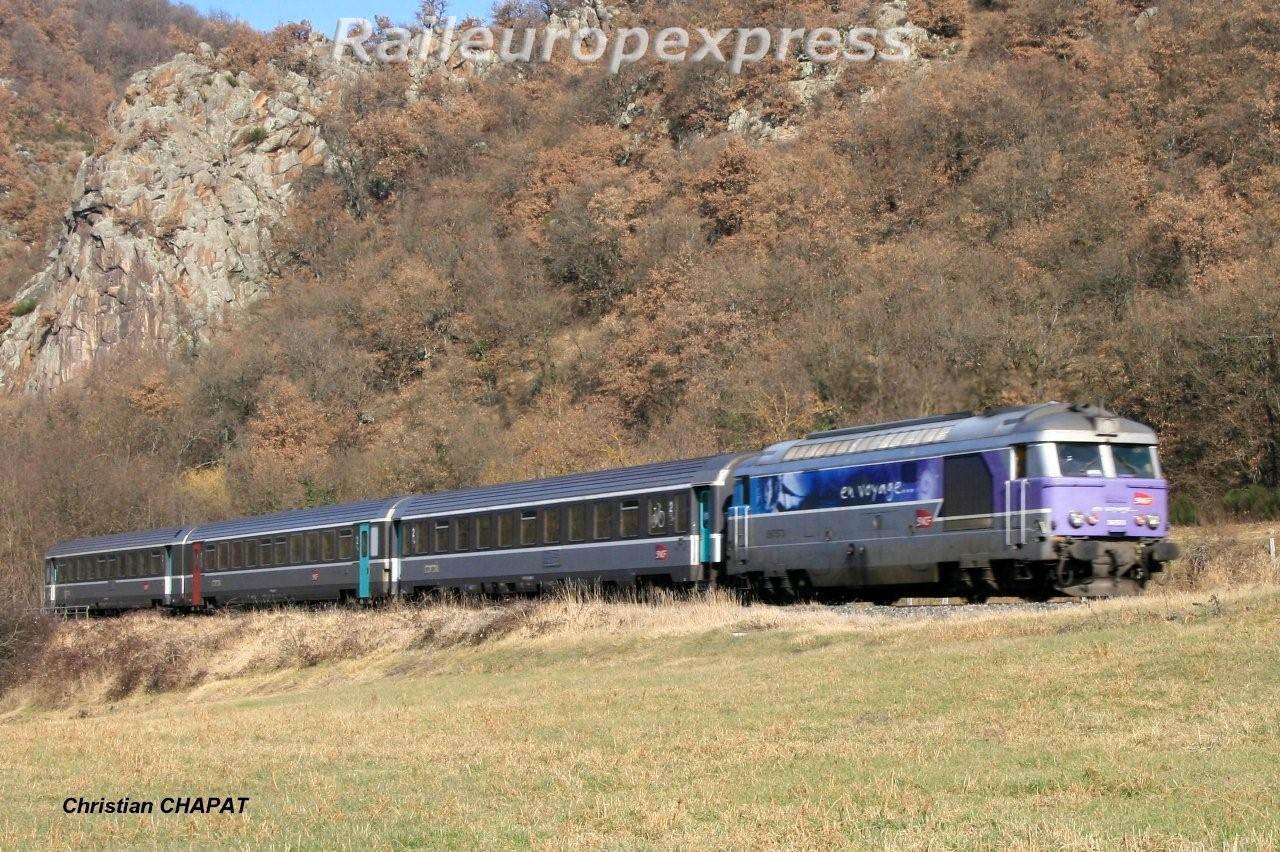 BB 67400 en tête du Cévenol  Issoire