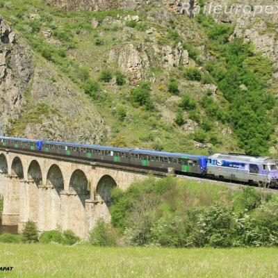 BB 67400 et RRR près de Châpeauroux (F 48)
