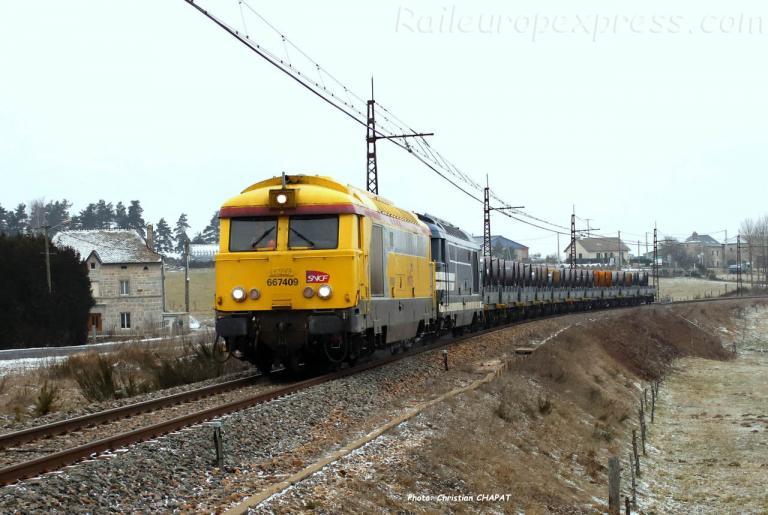 BB 67409 SNCF à Albaret Ste Marie (F-48)