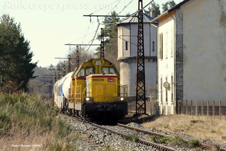 BB 69206 SNCF à Ruynes en Margeride (F-15)