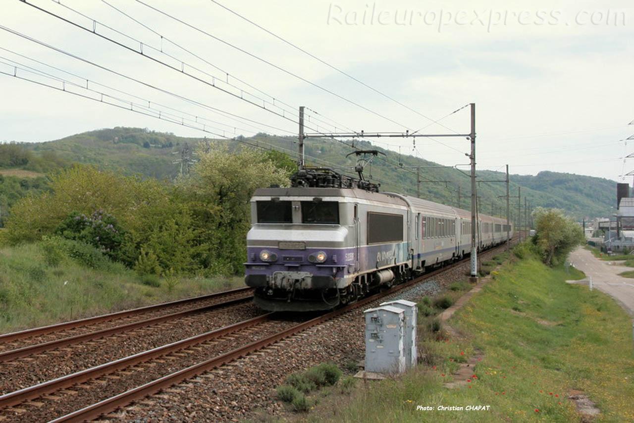BB 7200 SNCF à Laveyron (F-26)