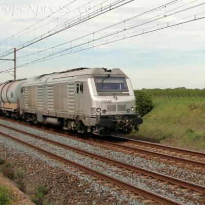 BB 75042 SNCF à Laveyron (F-26)