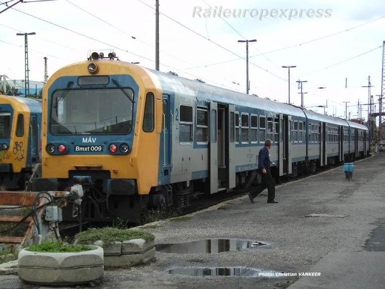 Bmxt 009 MAV en gare de Budapest (H)