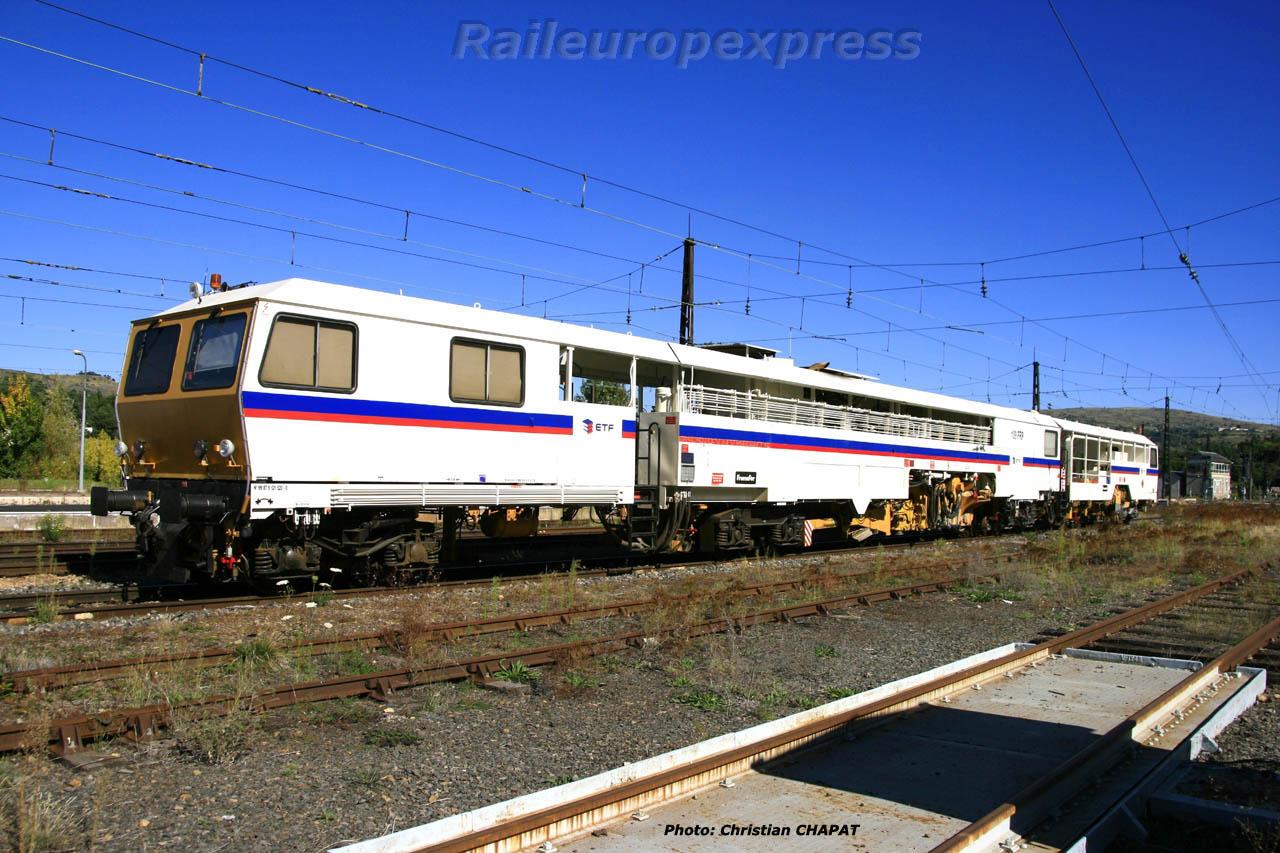 Bourreuse en gare de Neussargues (F 15)