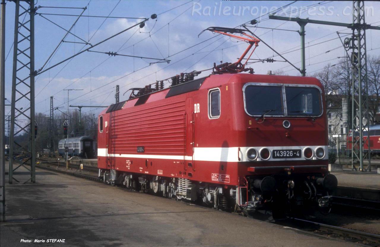 BR 143 296-4 DR à Singen (D)