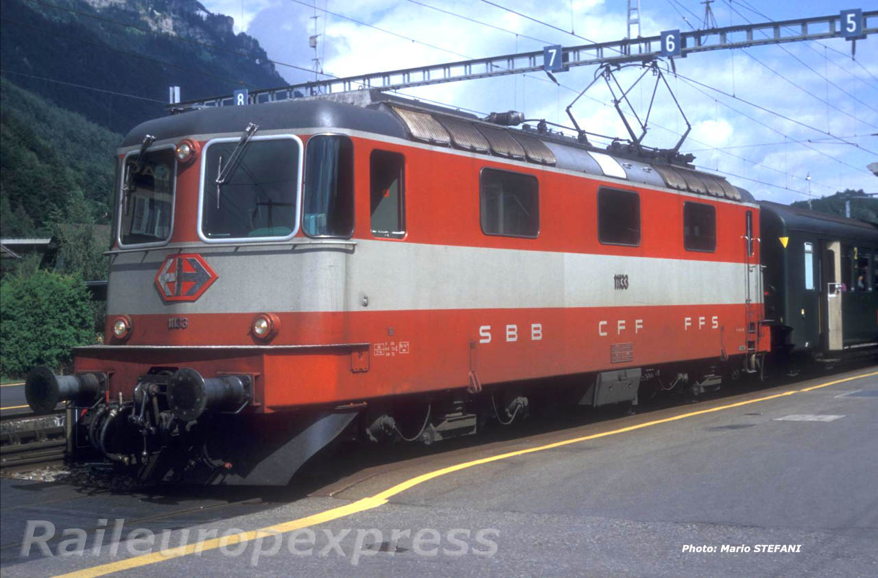 CFF Re 4/4 II 11133 SE Interlaken