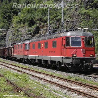 CFF Re 6/6 11680 à Iselle