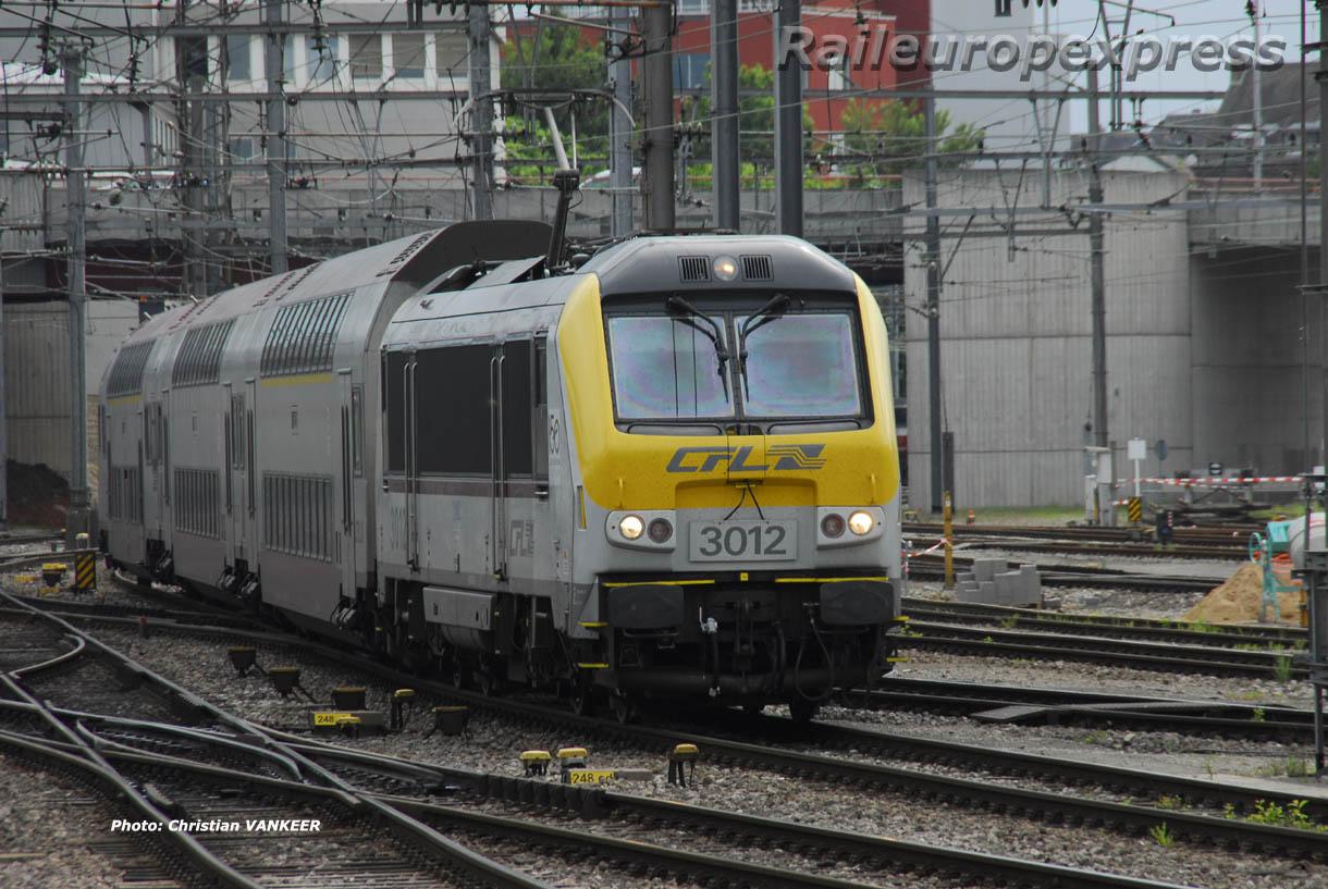 CFL 3012