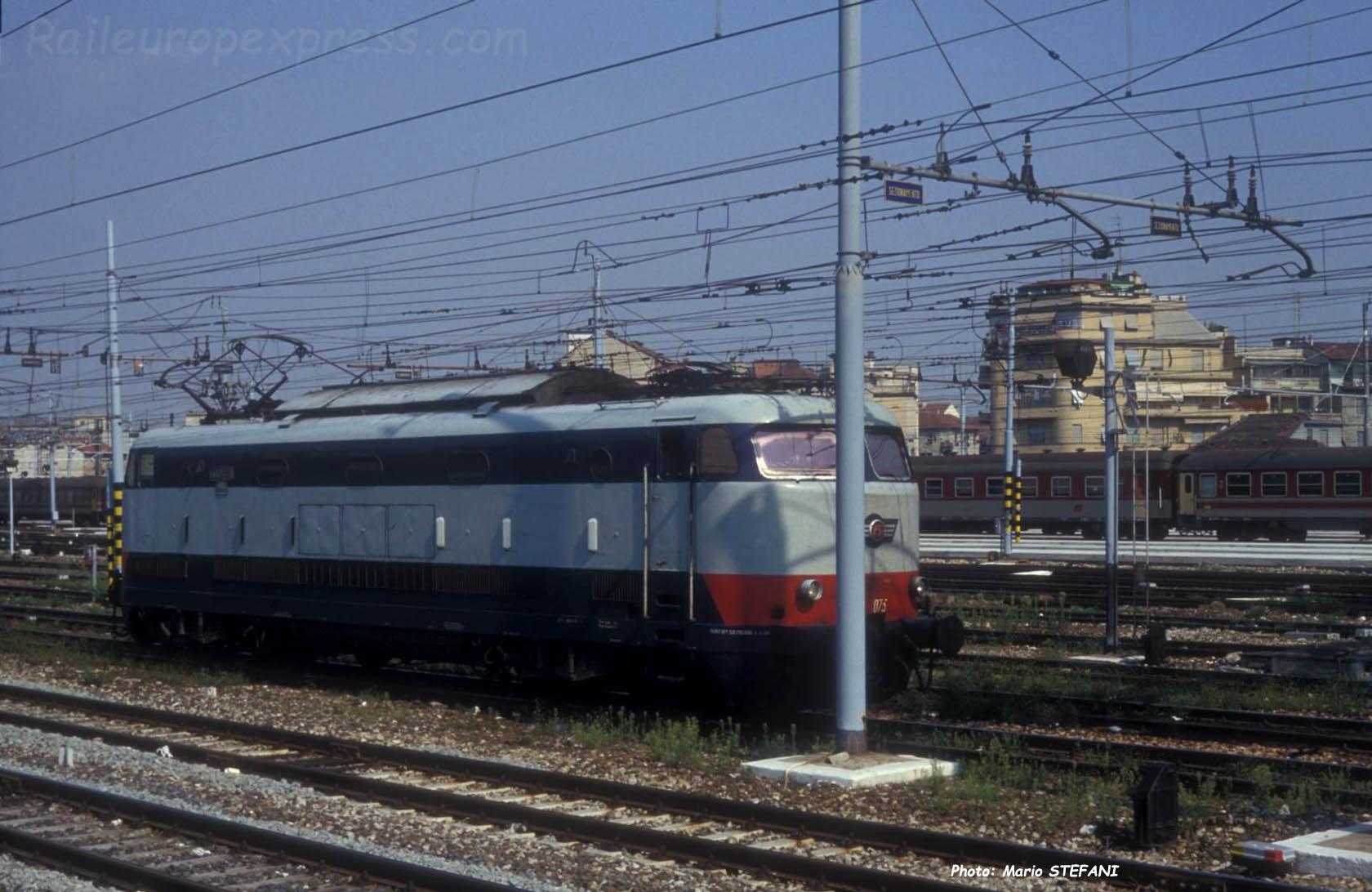 E 444 075 FS à Milan C (I)