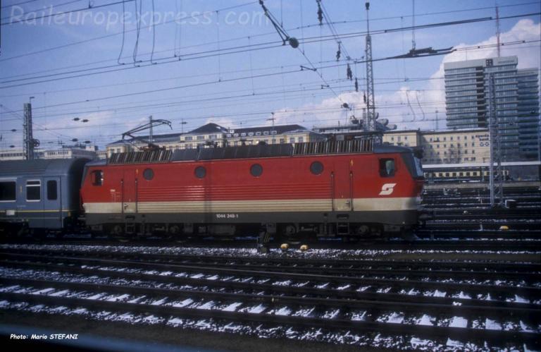 1044 248-1 OBB à Münich (D)
