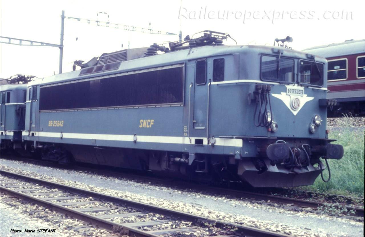 BB 25642 SNCF à Vallorbe (CH)
