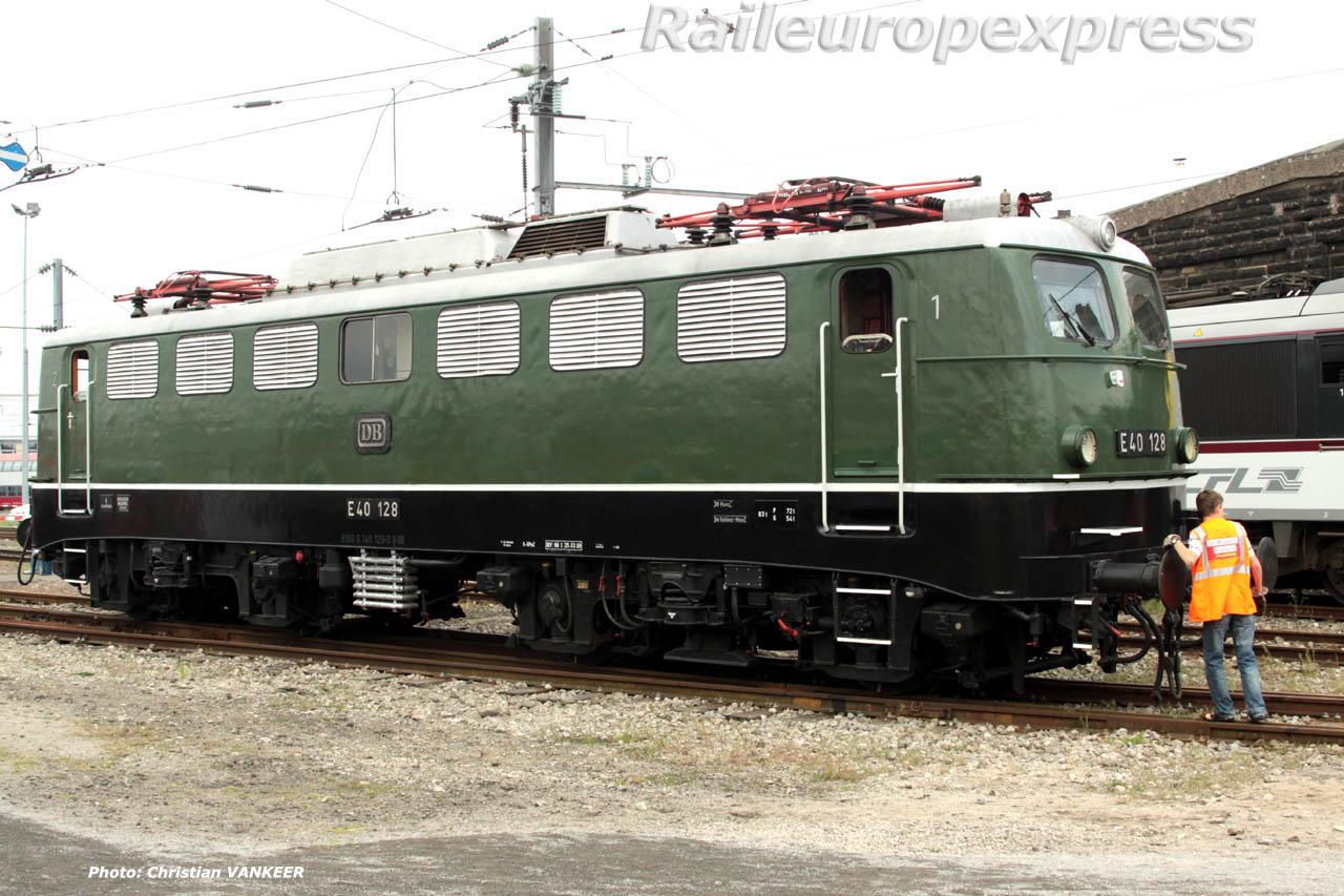 E 40 128 DB