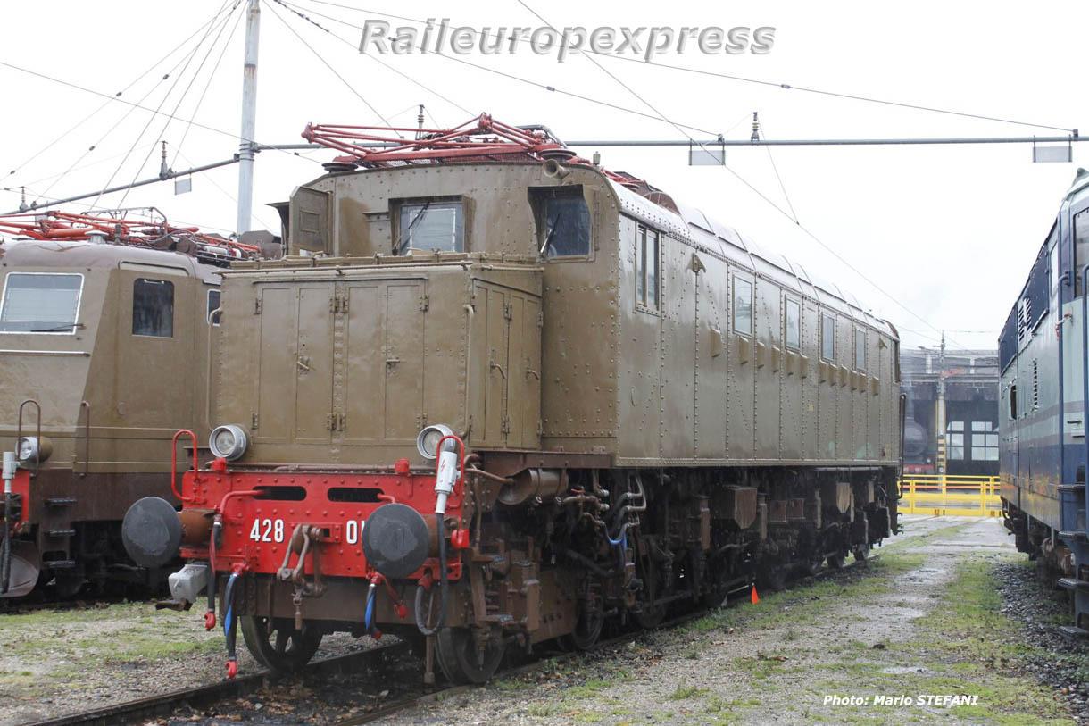 E 428 FS à Milan