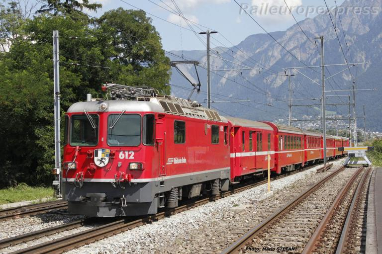 Ge 4/4 II 612 RhB à Felsberg (CH)