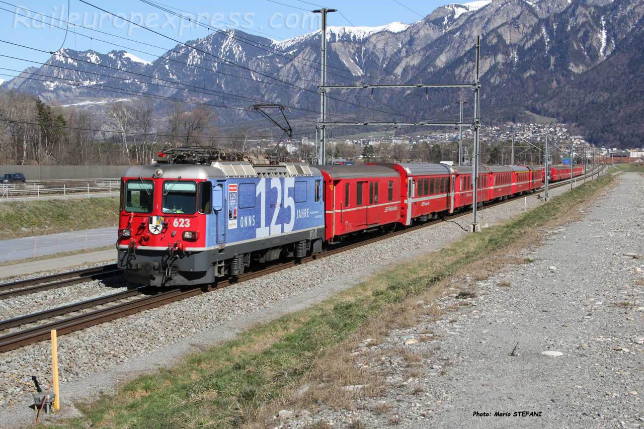 Ge 4/4 II 633 RhB à Felsberg (CH)