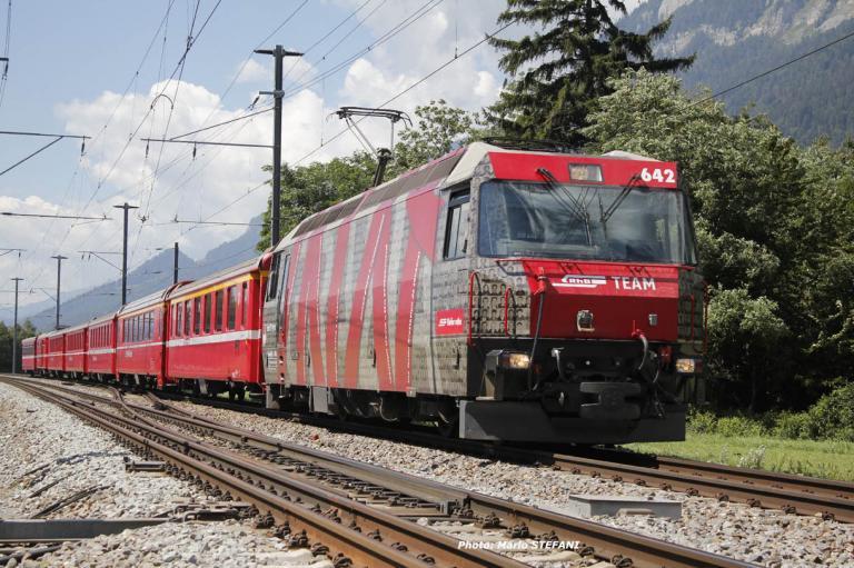 Ge 4/4 III 642 RhB à Felsberg