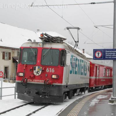 Ge 4/4 II 616 RhB à Bergün (CH)