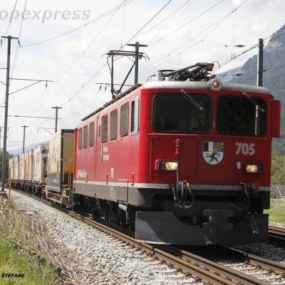 Ge 6/6 II 705 RhB à Felsberg (CH)