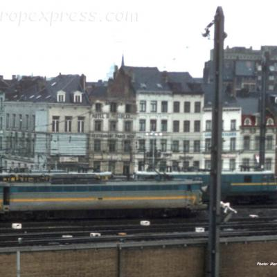 HLE 18 SNCB à Bruxelles Midi (B)
