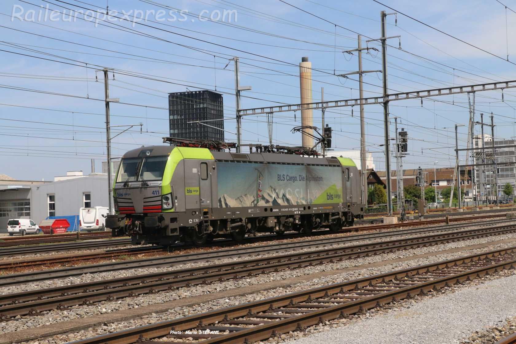 Re 475 411-5 BLS à Pratteln (CH)