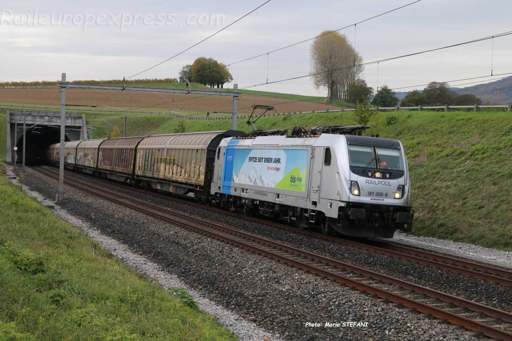 187 008-8 BLS à La Lance (CH)