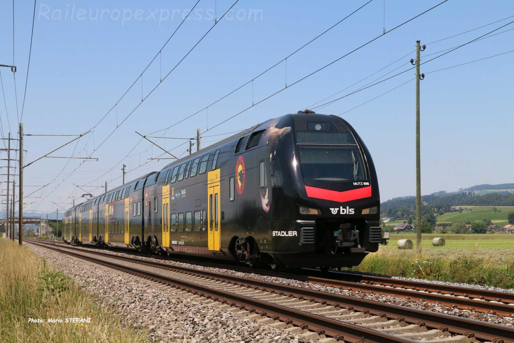 RABe 515 205-7 BLS à Kiesen (CH)