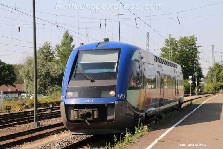 X 73901 SNCF à Müllheim (D)