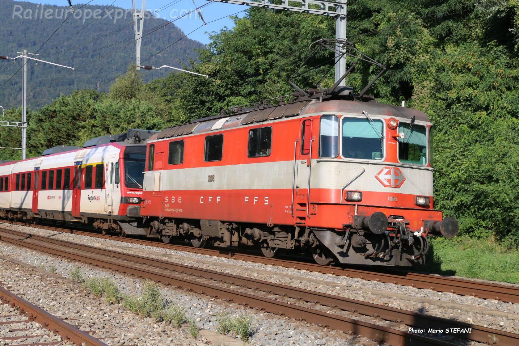 Re 4/4 II 11108 CFF à Boudry (CH)
